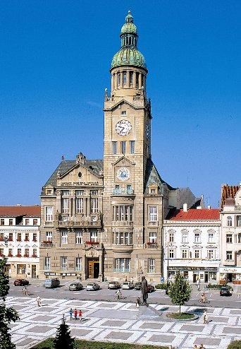 V těchto dnech u příležitosti letošních Hanáckých slavností budou opět  zpřístupněny prostory prostějovské radnice. Prohlídka povede po hlavním  schodišti ... 66f52d883ab2